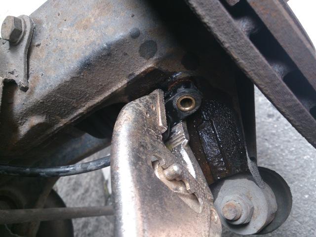 Peugeot 206 | Capteur ABS AVD: nettoyage